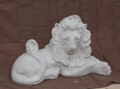 """Leo Lion Lying - 19"""""""
